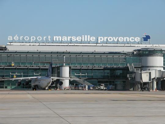 A roport de marseille provence le sud en quelques heures - Navette aeroport marseille vieux port ...